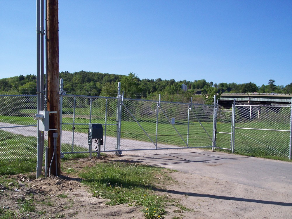 Automated Gates Round Hill Fence
