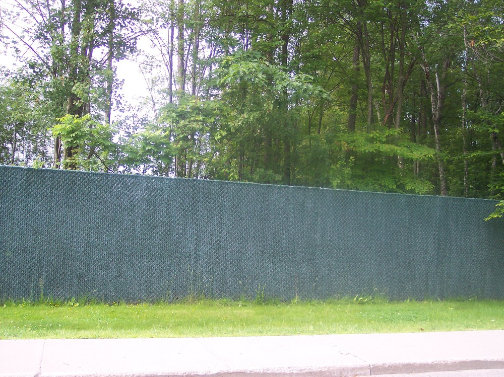 Chain Link Round Hill Fence