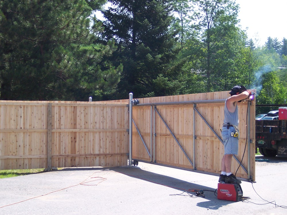 Custom Fabrication Round Hill Fence