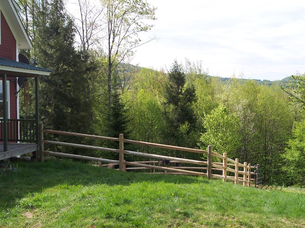 Round Cedar Round Hill Fence