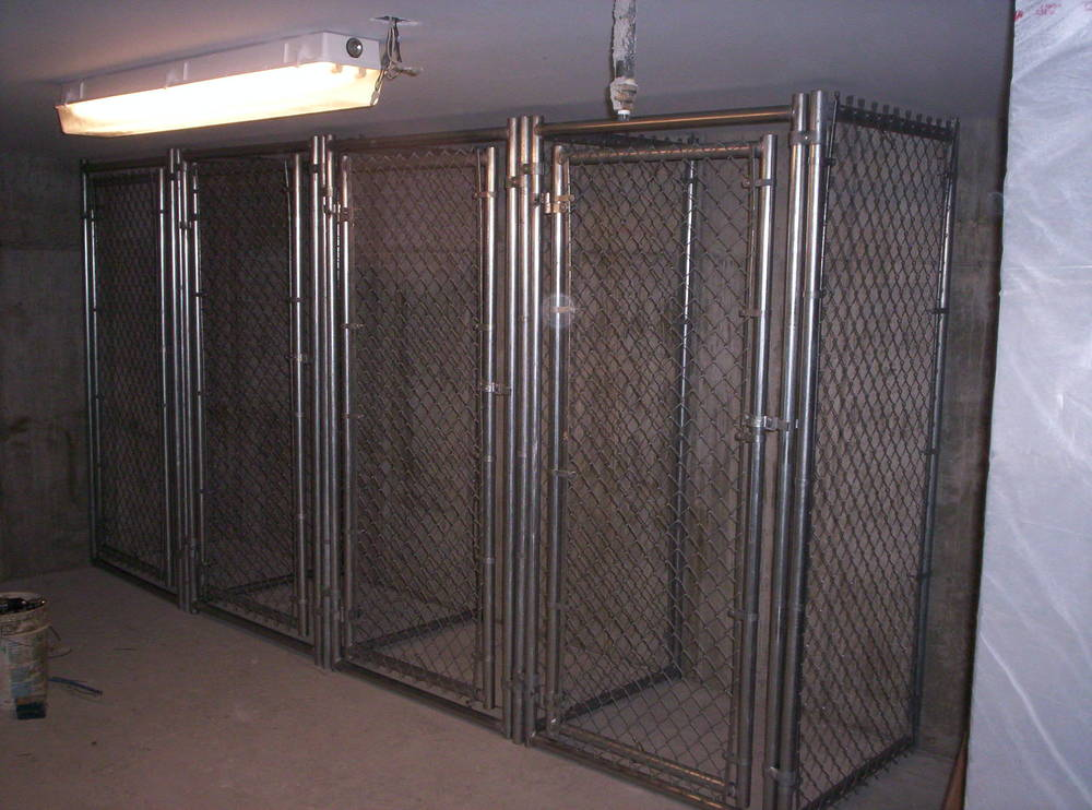Chain Link Cages Round Hill Fence