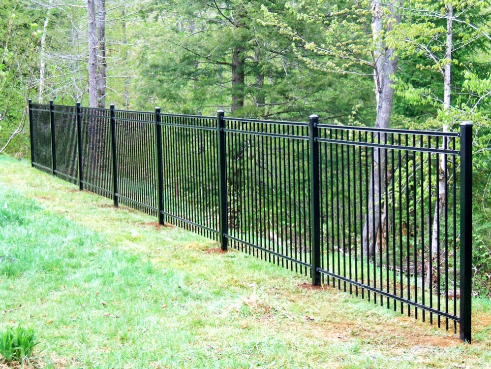 Ornamental Steel & Aluminum - Round Hill Fence