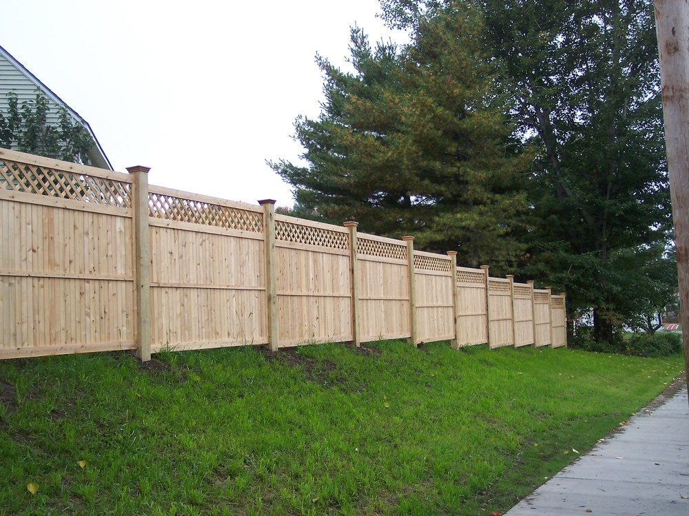 Privacy Fences - Round Hill Fence